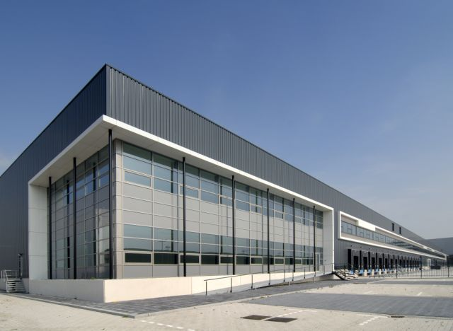 Menlo Worldwide Logistics huurt 9.500 m² in Fokker Logistics Park